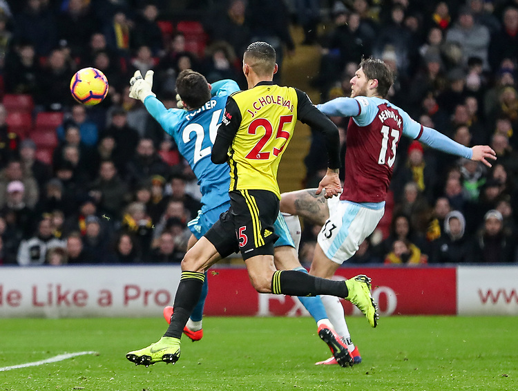 Burnley's Jeff Hendrick is thwarted by Watford's Ben Foster<br /> <br /> Photographer Andrew Kearns/CameraSport<br /> <br /> The Premier League - Watford v Burnley - Saturday 19 January 2019 - Vicarage Road - Watford<br /> <br /> World Copyright &copy; 2019 CameraSport. All rights reserved. 43 Linden Ave. Countesthorpe. Leicester. England. LE8 5PG - Tel: +44 (0) 116 277 4147 - admin@camerasport.com - www.camerasport.com