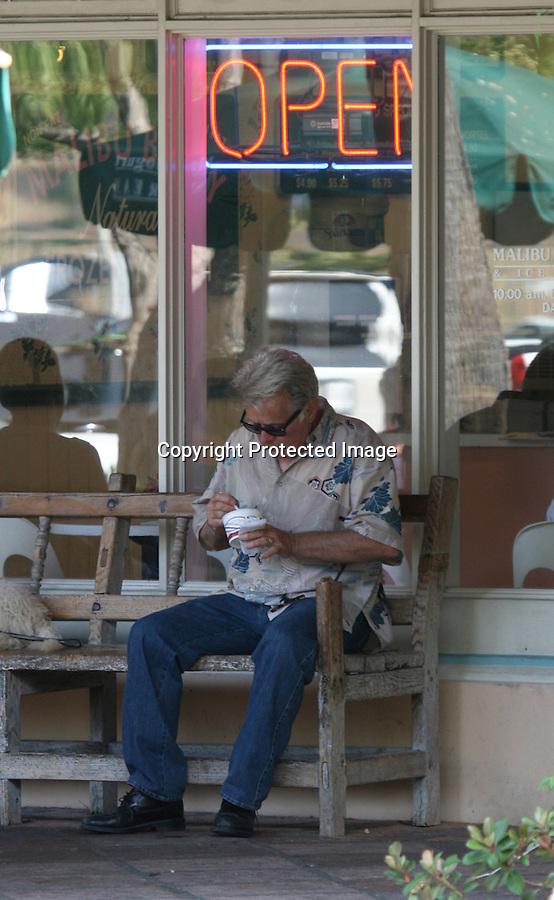 7-26-08  Exclusive.Martin Sheen eating frozen yogurt in Malibu. ...www.AbilityFilms.com.805-427-3519.AbilityFilms@yahoo.com