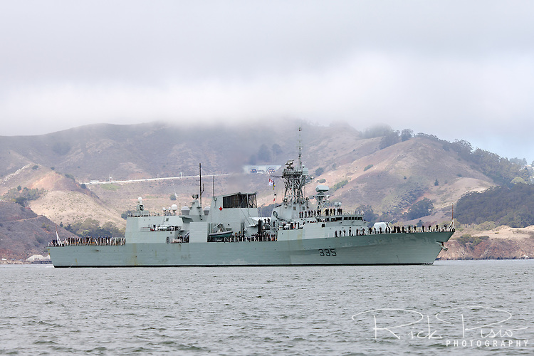 Halifax-class frigate HMCS Calgary (FFH 335) enters San Francisco Bay in October 2014. The Calgary was officially commissioned into the Canadian Forces on 12 May 1995.