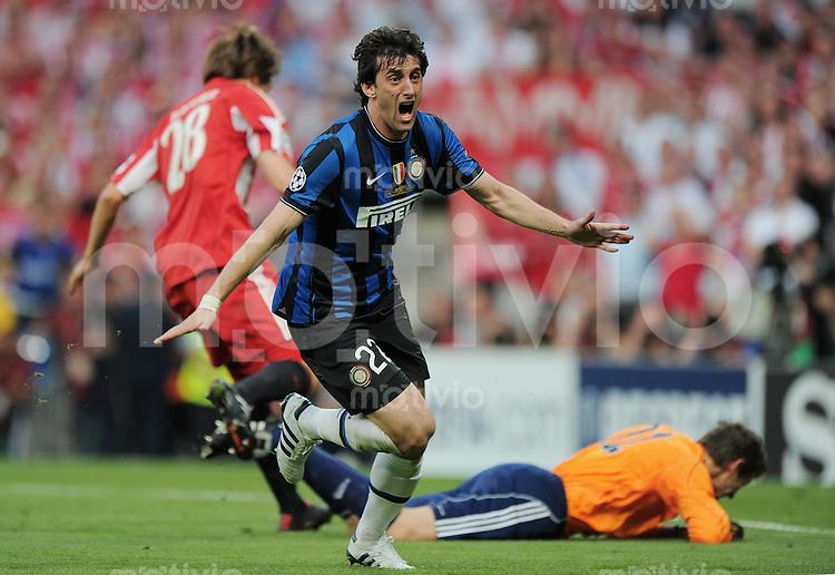 FUSSBALL      CHAMPIONS LEAGUE FINALE     SAISON  2009/2010 FC Bayern Muenchen - Inter Mailand      22.05.2010 Jubel Diego Milito (Inter) nach dem Tor zum 0:1