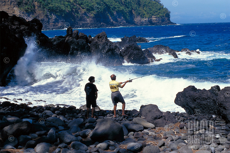 Father & son fishing at Lapahoehoe, Big Island