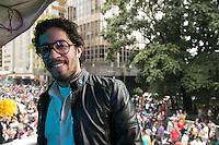 SAO PAULO, SP, 02 JUNHO 2013 - PARADA DO ORGULHO GLBT -  O deputado federal Jean Willys Participante durante a 17 Parada do Orgulho LGBT na Avenida Paulista, na tarde deste domingo, 02. (FOTO: ADRIANA SPACA/ BRAZIL PHOTO PRESS).