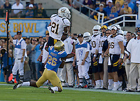 Keenan Allen of California catches a pass from Maynard during the game against UCLA at Rose Bowl in Pasadena, California on October 29th, 2011.  UCLA defeated California, 31-14.