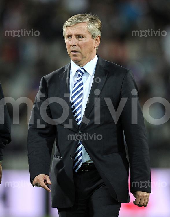 FUSSBALL INTERNATIONAL  Qualifikation Euro 2012  11.10.2011 Slowenien - Serbien Trainer Vladimir PETROVIC (Serbien)