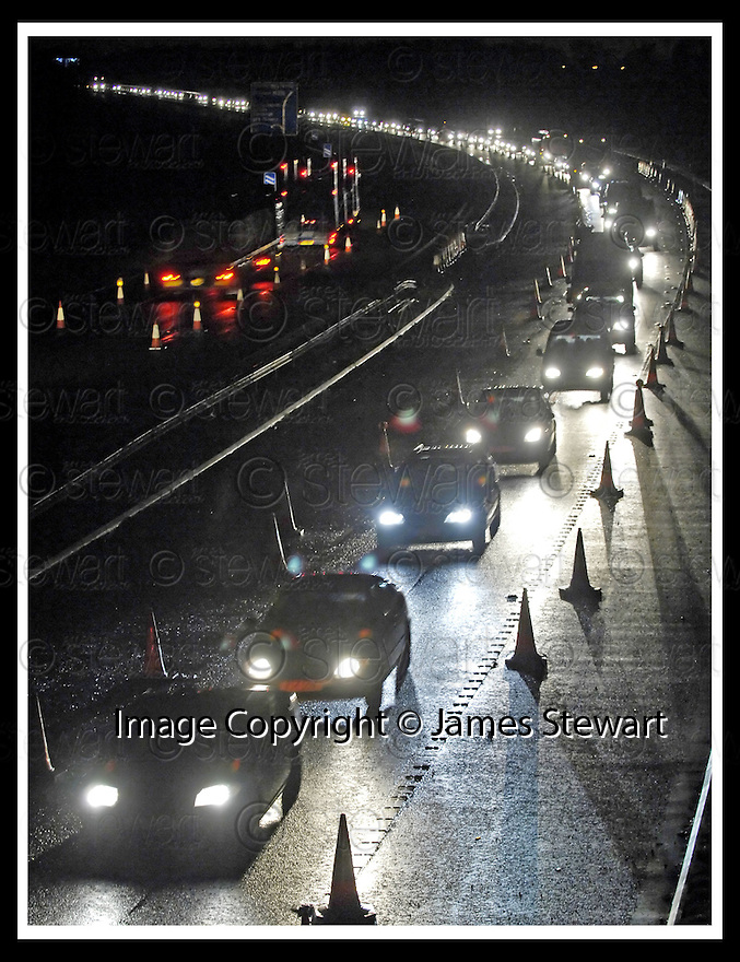09/01/2008    Copyright Pic: James Stewart.File Name : sct_jspa03_m9_traffic.THE QUEUES ON THE M9 NEAR KINCARDINE BRIDGE CAUSED BY THE CLOSURE OF THE FORTH ROAD BRIDGE....James Stewart Photo Agency 19 Carronlea Drive, Falkirk. FK2 8DN      Vat Reg No. 607 6932 25.Office     : +44 (0)1324 570906     .Mobile   : +44 (0)7721 416997.Fax         : +44 (0)1324 570906.E-mail  :  jim@jspa.co.uk.If you require further information then contact Jim Stewart on any of the numbers above.........
