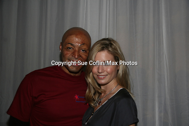 JR Martinez & Stephanie Gatschet at the 2009 Daytime Stars and Strikes to benefit the American Cancer Society to benefit the American Cancer Society on October 11, 2009 at the Port Authority Leisure Lanes, New York City, New York. (Photo by Sue Coflin/Max Photos)