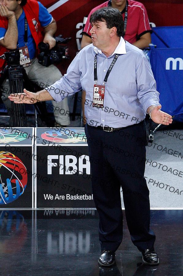 Memi Becirovic (Slovenia) head coach, riects during the eight-finals World championship basketball match against Australia in Istanbul, Slovenia-Australia, Turkey on Saturday, Sep. 05, 2010.(Novak Djurovic/Starsportphoto.com).