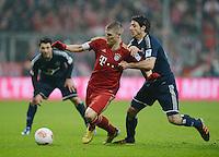 FUSSBALL   1. BUNDESLIGA  SAISON 2012/2013   27. Spieltag   FC Bayern Muenchen - Hamburger SV    30.03.2013 Bastian Schweinsteiger (li, FC Bayern Muenchen) gegen Gojko Kacar (Hamburger SV)