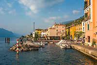 Italy, Veneto, Lake Garda, Brenzone sul Garda: small fishing harbour at district Magugnano | Italien, Venetien, Gardasee, Brenzone sul Garda: der kleine Fischerhafen im Ortsteil Magugnano