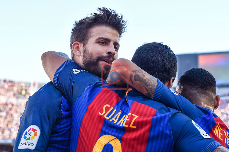 League Santander 2016/2017. Game: 8.<br /> FC Barcelona vs Deportivo: 4-0.<br /> Gerard Pique, Luis Suarez &amp; Neymar Jr.