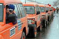 GENERAL JANKOVIC / CONFINE KOSOVO - MACEDONIA - 20 MARZO 1999.1800 MONITORS DELL'OSCE LASCIANO IL KOSOVO ALL'ALBA SEGUITI DA TUTTO IL PERSONALE DELLE ORGANIZZAZIONI UMANITARIE..DOPO IL FALLIMENTO DEI COLLOQUI DI PACE DI RAMBOUILLET, LA NATO E' PRONTA ALL'INTERVENTO ARMATO..TRE GIORNI DOPO, IL 24 MARZO 1999, INIZIANO I BOMBARDAMENTI SU SERBIA E KOSOVO..FOTO LIVIO SENIGALLIESI..GENERAL JANKOVIC / KOSOVO-MAKEDONIA BORDER - 20 MARCH 1999.NATO IS READY FOR INTERVENTION AGAINST SERBIA. THE 1800 OSCE MONITORS ARE LEAVING KOSOVO. THREE DAYS LATER, ON 24TH MARCH 1999, BEGIN NATO STRIKES ON JUGOSLAVIA..PHOTO LIVIO SENIGALLIESI.