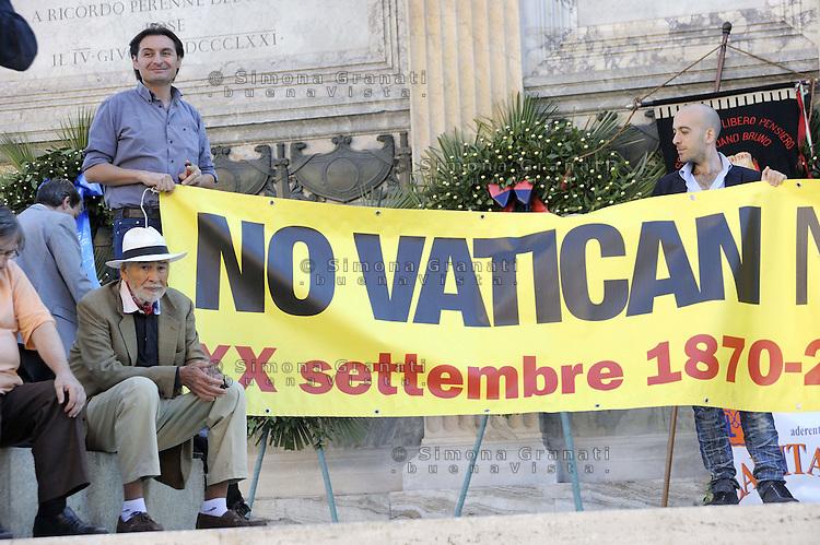 """Roma, 20 settembre 2011.Corso Italia, Partito radicale e associazioni Laiche ricordano la """"Breccia Di Porta Pia"""" e la vittoria  contro lo Stato Pontificio"""