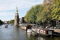 Nederland  Amsterdam  2016. De Montelbaanstoren aan de Oude Schans.  Foto Berlinda van Dam / Hollandse Hooogte.