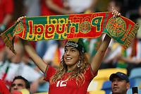 09.06.2012, LWOW, PILKA NOZNA, FOOTBALL, MISTRZOSTWA EUROPY W PILCE NOZNEJ, EURO 2012, FOOTBALL EUROPEAN CHAMPIONSHIP,  NIEMCY - PORTUGALIA, GERMANY - PORTUGAL, KIBICE PORTUGALII, FOT. TOMASZ JASTRZEBOWSKI / FOTO OLIMPIK