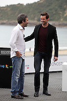 "Director Denis Villeneuve (L) and australian actor Hugh Jackman posses in the photocall of the ""Prisioners"" film presentation during the 61 San Sebastian Film Festival, in San Sebastian, Spain. September 27, 2013. (ALTERPHOTOS/Victor Blanco)"