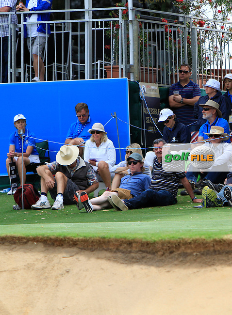 Part of the crowd at the 18th included Noely McVeigh from Drogheda during Round 3 of the ISPS HANDA Perth International at the Lake Karrinyup Country Club on Saturday 25th October 2014.<br /> Picture:  Thos Caffrey / www.golffile.ie