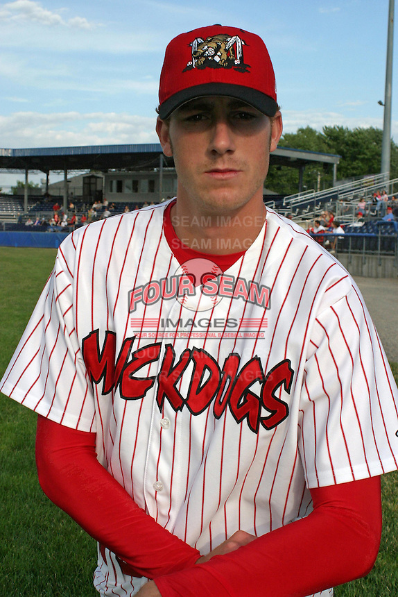 July 17, 2003:  pitcher Zach Minor of the Batavia Muckdogs during a game at Dwyer Stadium in Batavia, New York.  Photo by:  Mike Janes/Four Seam Images