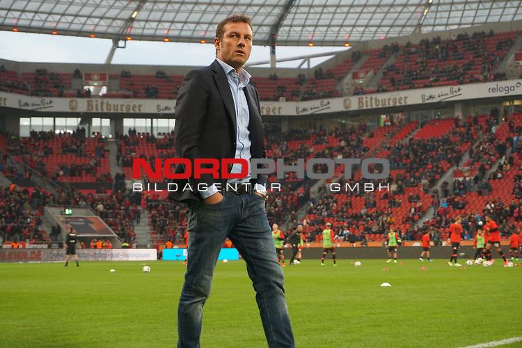 28.04.2017, BayArena, Leverkusen , GER, 1.FBL., Bayer Leverkusen 04 vs. FC Schalke 04<br /> im Bild / picture shows: <br /> Markus Weinzierl (Trainer FC Schalke 04) Querformat,Einzelaktion, Ganzk&ouml;rper / Ganzkoerper, <br /> <br /> <br /> <br /> Foto &copy; nordphoto / Meuter