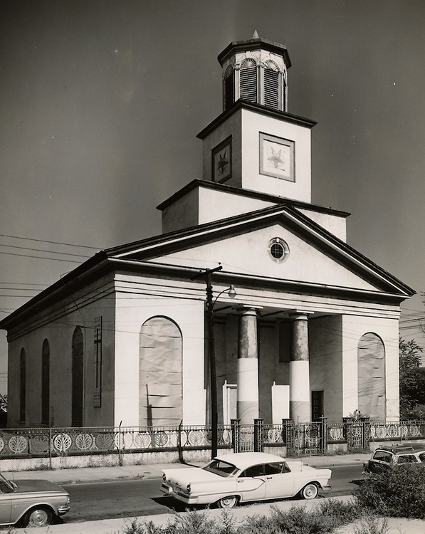 1961 October 05..Conservation.Downtown North (R-8)..Bank Street Baptist Church.501 Bank Street..PHOTO CRAFTSMEN INC..NEG#  47-883.NRHA# 955..