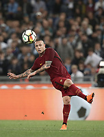Calcio, Serie A: S.S. Lazio - A.S. Roma, stadio Olimpico, Roma, 15 aprile 2018. <br /> Roma's Radja Nainggolan in action during the Italian Serie A football match between S.S. Lazio and A.S. Roma at Rome's Olympic stadium, Rome on April 15, 2018.<br /> UPDATE IMAGES PRESS/Isabella Bonotto