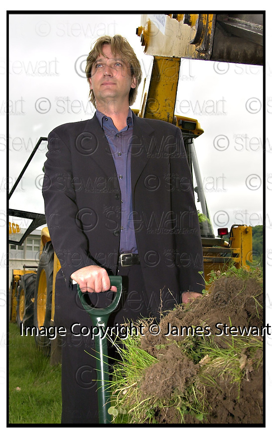 5th June 2001                Copyright Pic : James Stewart .Ref :                           .File Name : stewart04-dementia                        .ACTOR SIMON SHEPHERD WHO PLAYS DR WILL PRESTON IN THE TV SERIES PEAK PRACTICE CUTS THE FIRST SOD OF TURF AT THE NEW DEMENTIA CENTRE AT STIRLING UNIVERSITY.....(see copy from George Mair / Tim Bugler).....Payments to :-.James Stewart Photo Agency, Stewart House, Stewart Road, Falkirk. FK2 7AS      Vat Reg No. 607 6932 25.Office : 01324 630007        Mobile : 0421 416997.E-mail : jim@jspa.co.uk.           : jim@jamesstewart.co.uk.If you require further information then contact Jim Stewart on any of the numbers above.........