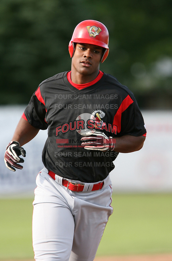 2007:  Michael Taylor of the Williamsport Crosscutters, Class-A affiliate of the Philadelphia Phillies, during the New York-Penn League baseball season.  Photo By Mike Janes/Four Seam Images