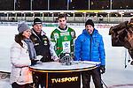 Stockholm 2013-11-26 Bandy Elitserien Hammarby IF - Edsbyns IF :  <br /> Programledare Marika Eriksson , Hammarby tr&auml;nare Magnus Brod&eacute;n , Hammarby Jesper Jonsson och expert Per Fosshaug i TV4 Sport TV-studio efter matchen p&aring; Zinkensdamms IP<br /> (Foto: Kenta J&ouml;nsson) Nyckelord: