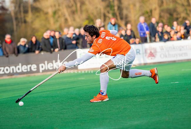 BLOEMENDAAL - Arthur van Doren (Bldaal) tijdens  hoofdklasse competitiewedstrijd  heren , Bloemendaal-Rotterdam (1-1) .COPYRIGHT KOEN SUYK
