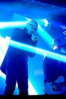 Andrew Eldritch und Chris Catalyst von The Sisters of Mercy live im Docks. Hamburg, 07.09.2017