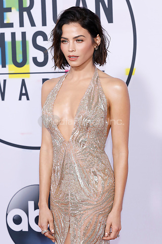 LOS ANGELES, CA - NOVEMBER 19: Jenna Dewan Tatum attends the 2017 American Music Awards at Microsoft Theater on November 19, 2017 in Los Angeles, California, USA Credit:  John Rasimus /MediaPunch ***FRANCE, SWEDEN, NORWAY, DENARK, FINLAND, USA, CZECH REPUBLIC, SOUTH AMERICA ONLY***