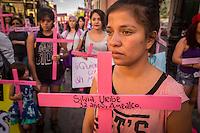 Quer&eacute;taro, Qro. 24 de abril de 2016.- Aspectos de la movilizaci&oacute;n de mujeres en el estado contra la violencia machista convocada a nivel nacional donde participan al menos 24 ciudades en el pa&iacute;s. Con el lema de #VivasNosQueremos la marcha recorri&oacute; calles del centro hist&oacute;rico. <br /> Convocados por diferentes organizaciones y colectivos en el evento de la entidad luego de la marcha se dieron a conocer testimoniales, donde adem&aacute;s hubo intervenci&oacute;n de compositoras y un performance.<br /> <br /> Foto: Demian Ch&aacute;vez / Obture