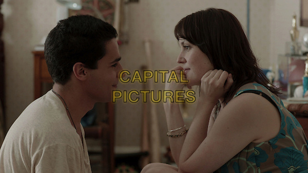 CHRISTOPHER ABBOTT, MELANIE LYNSKEY.in Hello I Must Be Going (2012) .*Filmstill - Editorial Use Only*.CAP/FB.Supplied by Capital Pictures.