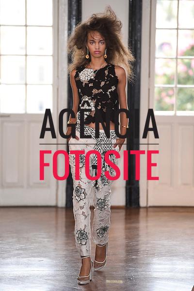 Isabela Capeto<br /> <br /> Sao Paulo Fashion Week- Verao 2016<br /> Abril/2015<br /> <br /> foto: Marcelo Soubhia/Agencia Fotosite