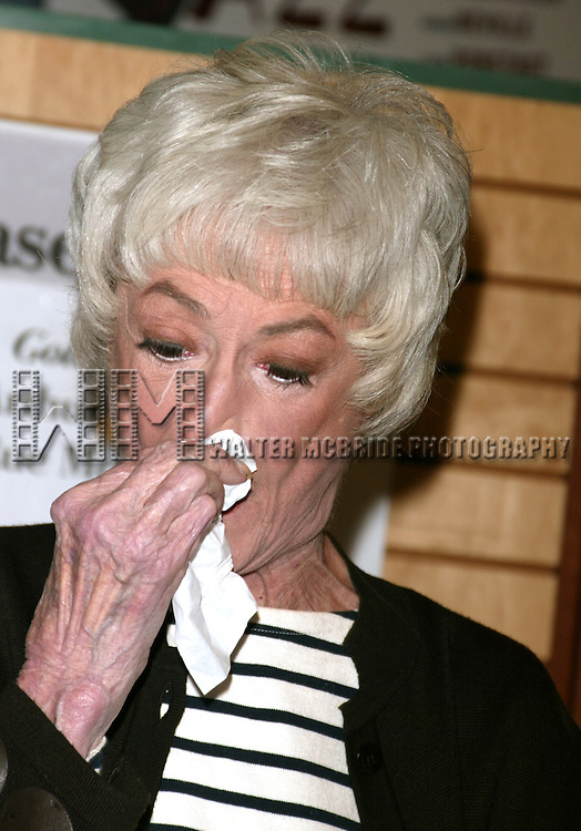 ( pictured: Bea Arthur ).Bea Arthur, Betty White and Rue McClanahan signing copies of THE GOLDEN GIRLS SEASON 3 DVD Box Set at Barnes & Noble, Sixth Avenue in Chelsea, New York City..November 22, 2005.© Walter McBride /