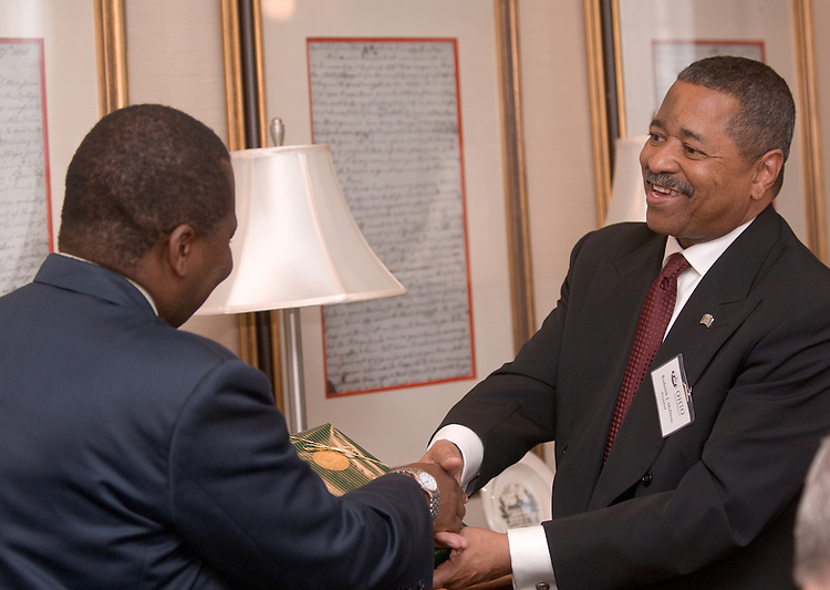 Bojosi Otlhogile, Vice Chancellor, University of Botswana Receives a gift from President of Ohio University, Dr. Roderick J. McDavis