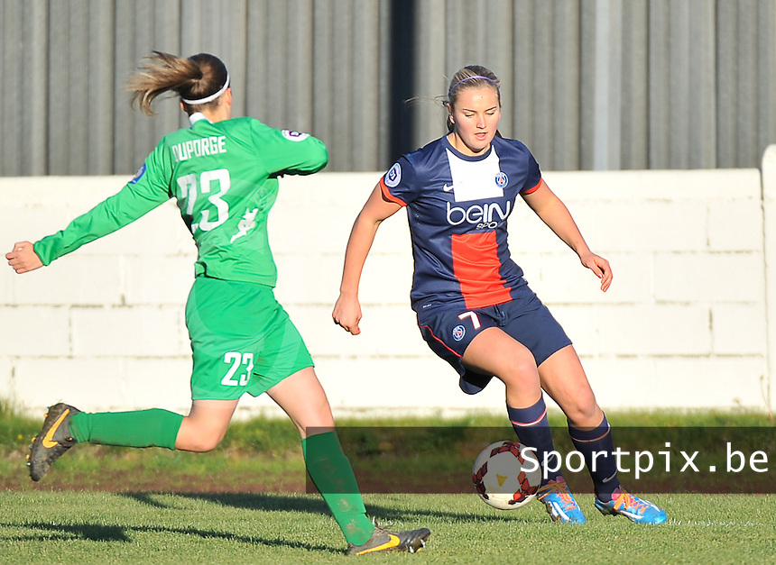 20131211 - HENIN-BEAUMONT , France :  PSG's Lindsey Horan pictured during the female soccer match between FC Henin Beaumont and Paris Saint-Germain Feminin , of the Ninth matchday in the French First Female Division . Wednesday 11 December 2013. PHOTO DAVID CATRY