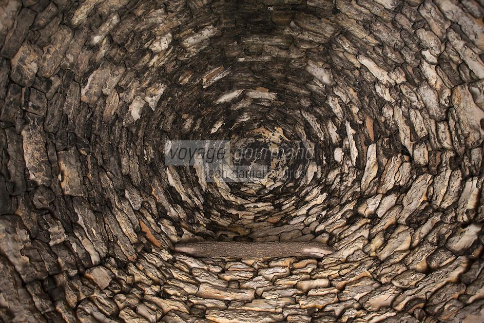 Europe/France/Midi-Pyrénées/46/Lot/ Env de Livernon:Détail du toit en pierre sèche de la  cazelle du Lac de Lacam