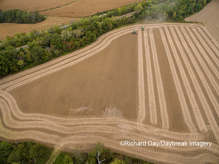 63801-09518 Soybean Harvest, John Deere combine harvesting soybeans - aerial - Marion Co. IL