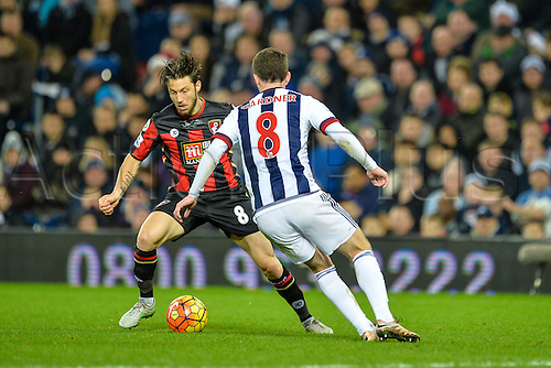 19.12.2015. The Hawthorns, West Bromwich, England. Barclays Premier League. West Bromwich Albion versus AFC Bournemouth. Harry Arter of Bournemouth looks for a way past Craig Gardner of West Bromwich Albion.