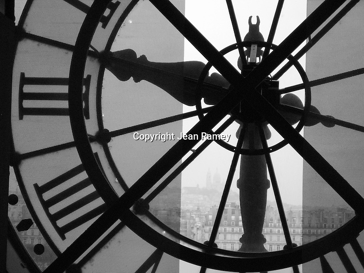 Timeless Paris (B&W)