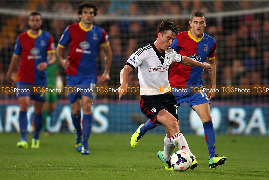 Scott Parker of Fulham - Crystal Palace vs Fulham, Barclays Premier League at Selhurst Park, Crystal Palace - 21/10/13 - MANDATORY CREDIT: Rob Newell/TGSPHOTO - Self billing applies where appropriate - 0845 094 6026 - contact@tgsphoto.co.uk - NO UNPAID USE