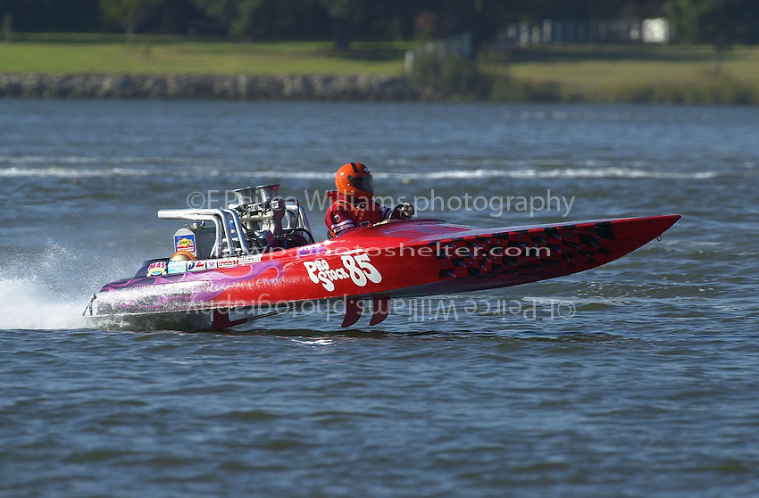 PS-85, Pro Stock Flatbottom.APBA Portsmouth Regatta for Inboard Hydroplanes, Portsmouth, VA, USA 13/14 October,2001.Copyright©F.Peirce Williams 2001..F. Peirce Williams .photography.P.O.Box 455  Eaton, OH 45320 USA.p: 317.358.7326  fpwp@mac.com