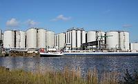 Nederland - Amsterdam - 2019. Bedrijf aan de Hornhaven. Biodiesel Amsterdam (BDA), Tank & truck Cleaning Amsterdam (CSA) en Tankstorage Amsterdam (TSA) zijn verkocht aan John Swire & Sons, een Engels familiebedrijf. Rotie en Noba zijn verkocht aan investeerder Parcom. Parcom zal de activiteiten van Noba onderbrengen bij Marvesa Oils & Fats, een wereldwijde handels- en distributieorganisatie in niche ingrediënten voor diervoeding.  Foto Berlinda van Dam / Hollandse Hoogte