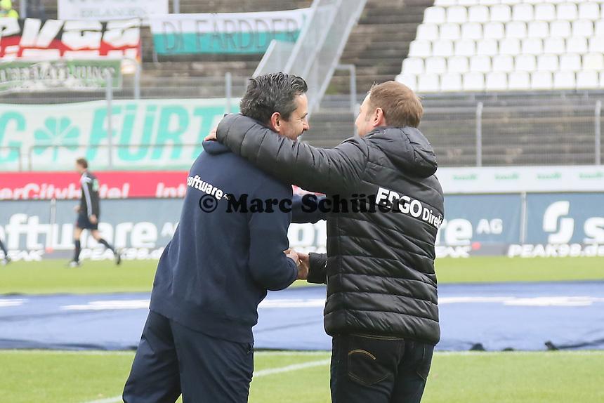 Trainer Dirk Schuster (SV 98) und Trainer Frank Kramer (Fuerth)  - SV Darmstadt 98 vs. SpVgg. Greuther Fuerth, Stadion am Boellenfalltor