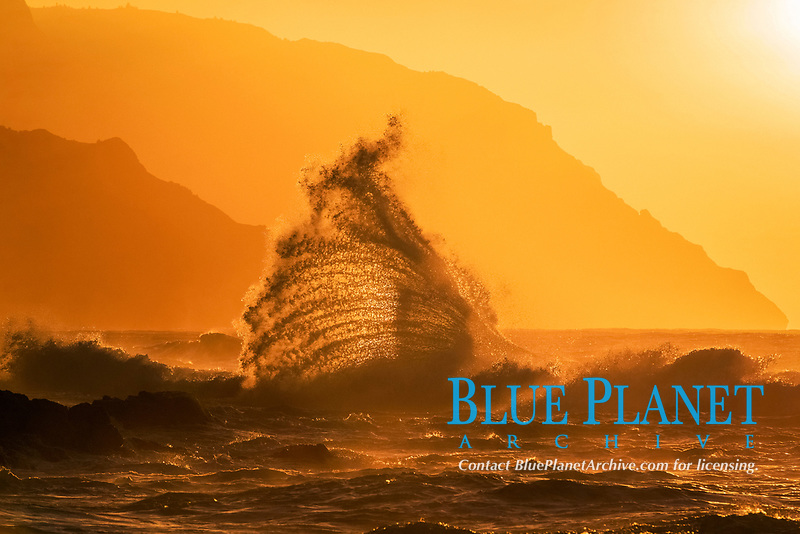 waves, crashing at sunset, Keʻe Beach, Haʻena State Park, Na Pali Coast, Kauai, Hawaii, USA, Pacific Ocean