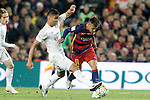 FC Barcelona's Neymar Jr (r) and Real Madrid's Carlos Henrique Casemiro during La Liga match. April 2,2016. (ALTERPHOTOS/Acero)
