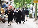 Iran 2004.Dans les rues de Sanandaj.Iran 2004.In Sanandaj's street
