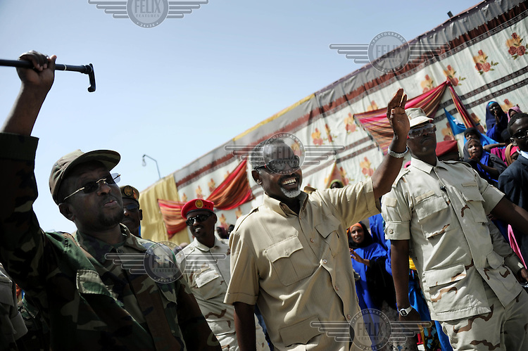 Mogadishu/Somalia 2012 - The Mayor of Mogadishu together with the President, Sheikh Sharif (left)..