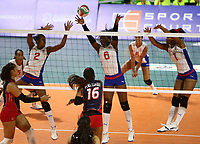 BARRANQUILLA - COLOMBIA, 21-07-2018: Cuba y República Dominicana durante partido en la modalidad de Voleiboll femenino como parte de los Juegos Centroamericanos y del Caribe Barranquilla 2018. /  Cuba and Dominican Republic during in match of women's volleyball as a part of the Central American and Caribbean Sports Games Barranquilla 2018. Photo: VizzorImage / Cont