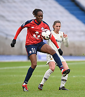 20190113 - LILLE , FRANCE : LOSC's Ouleymata Sarr (L) and PSG's Eve Perisset (R) pictured during women soccer game between the women teams of Lille OSC and Paris Saint Germain  during the 16 th matchday for the Championship D1 Feminines at stade Lille Metropole , Sunday 13th of January 2019,  PHOTO Dirk Vuylsteke | Sportpix.Be
